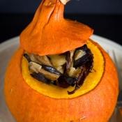 Baked Squash with Wild Mushrooms, Apple & Chestnuts – Ψητή Κολοκύθα με Άγρια Μανιτάρια, Μήλο & Κάστανα
