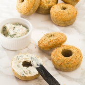 Savory Cheese & Herb Doughnuts with Spicy Spread – Αλμυρά Ντόνατς με Τυρί και Μυρωδικά, με Πικάντικο Άλειμμα