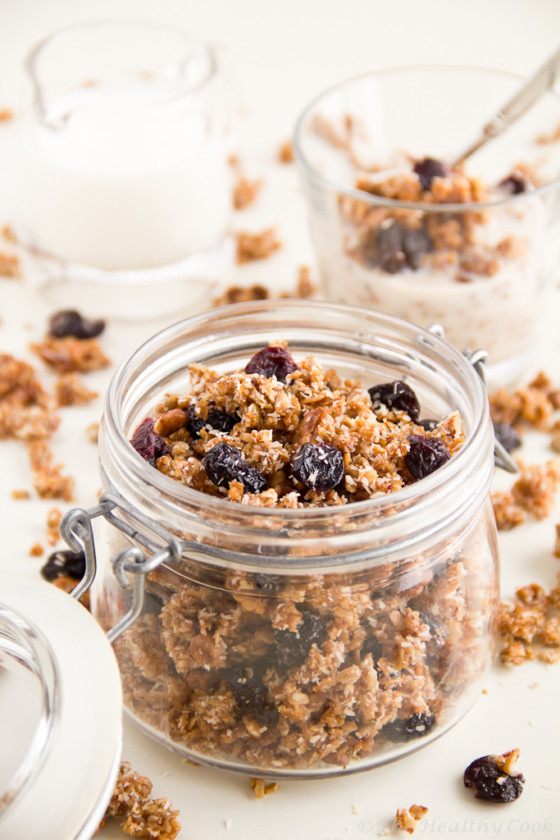 Sour Cherry Granola for a healthier breakfast – Granola με Ξερά Βύσσινα για πιο υγιεινό πρωινό