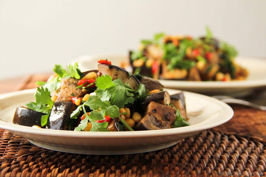 Warm Salad with Eggplants and Fresh Cilantro – Ζεστή Σαλάτα με Μελιτζάνες και Φρέσκο Κόλιανδρο