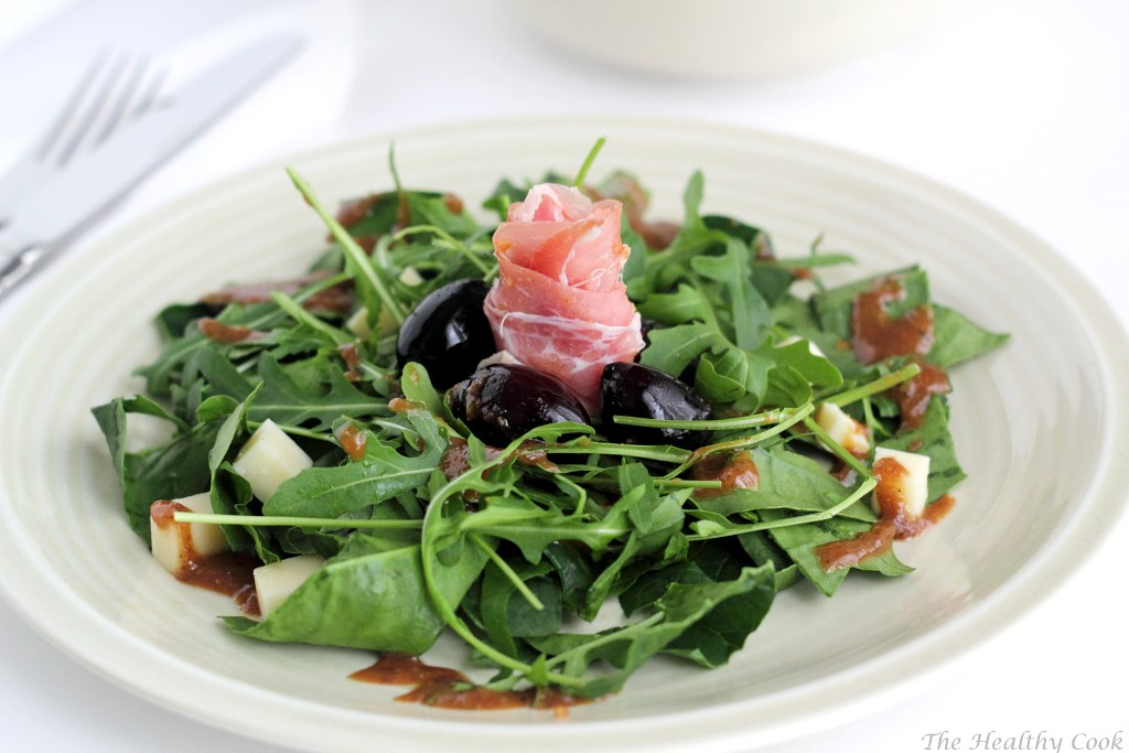 Spinach, Arugula & Prosciutto Salad with Smoked Cheese & Olive Spoon Sweet – Σαλάτα με Σπανάκι, Ρόκα, Μετσοβόνε, Προσούτο και Γλυκό Κουταλιού Ελιά