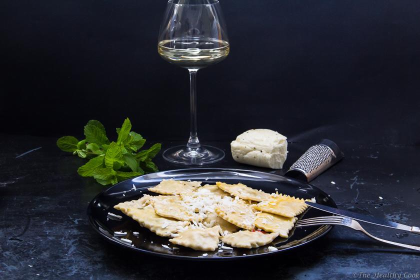Homemade Ravioli with Haloumi Cheese – Σπιτικές Ραβιόλες με Χαλούμι και ένα Giveaway