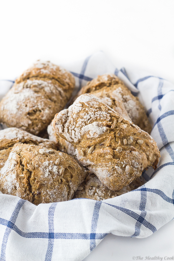 No-Knead Barley Bread with Seeds – Κρίθινο Σπιτικό Ψωμί χωρίς Ζύμωμα, με Σπόρους