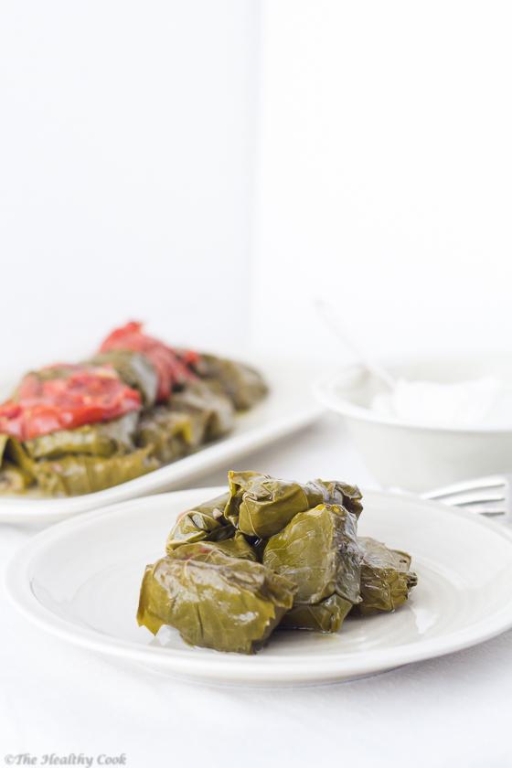 Stuffed-Vine-Leaves-with-Eggplants – Ντολμαδάκια-με-Μελιτζάνες