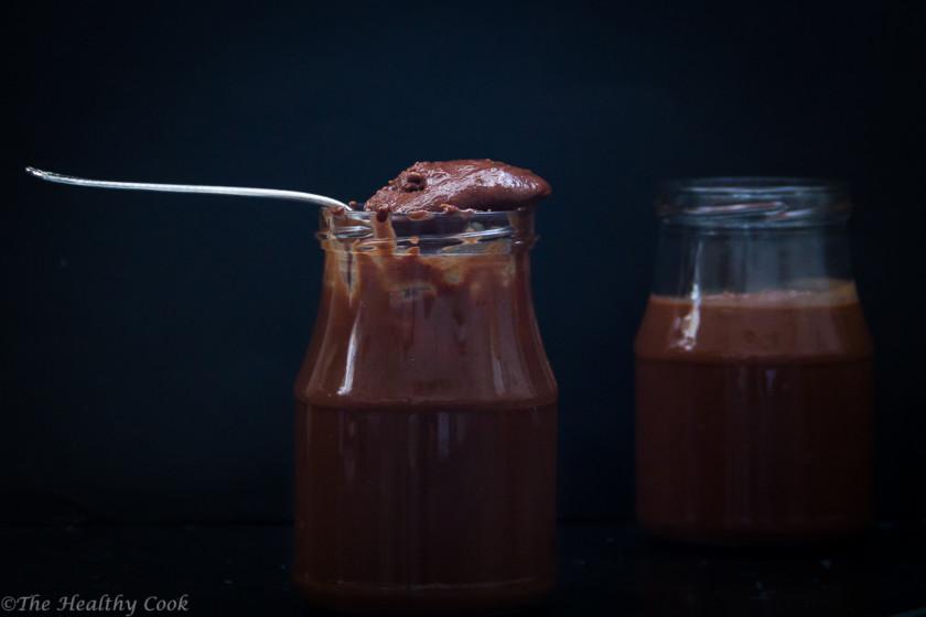 Φτιάξε μόνος σου σπιτικό σοκολατένιο ταχίνι. Ένα άλειμμα εύκολο, ελαφρύ και μεταξένιο - Homemade Chocolate Tahini Spead; easy,airy and silky