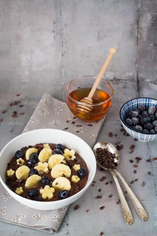 Νηστίσιμο και θρεπτικό σοκολατένιο porridge με φαγόπυρο, για πιο νόστιμα πρωινά - Vegan chocolate and buckwheat porridge, for a tastier breakfast